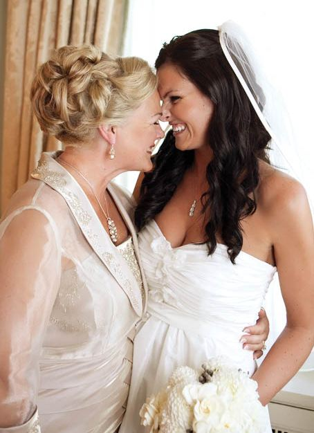 04-graydon-hall-bride-and-mother